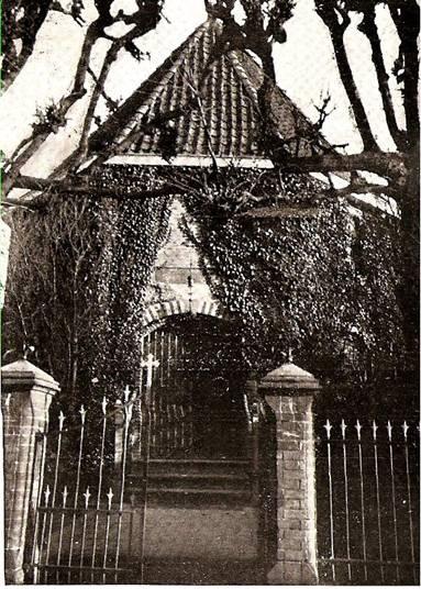 Afbeelding oude foto ingang kerk