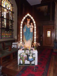 Mariabeeld in de kerk van Woudsend